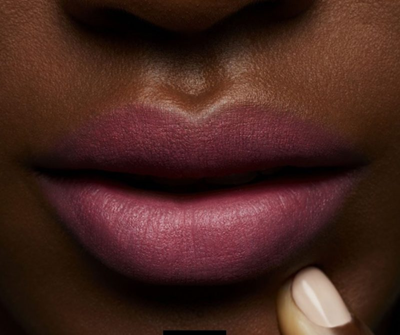 Son-MAC-Model-Of_Duty-lip-dark-skin
